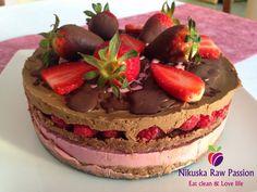 Nikuska Raw Passion: Jahodovo-malinový čoko sen / Strawberry-raspberry chocolate dream cake