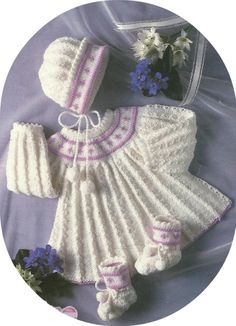 Beautiful Vintage Knitting Pattern Baby Angel Top Bootees & Bonnet