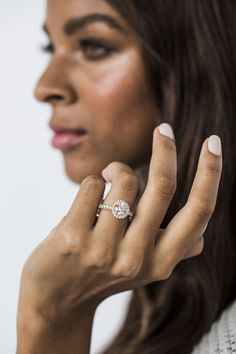 Super offers for round engagement rings. Best Diamond Rings, Cushion Cut Diamond Ring, Wedding Rings Vintage, Halo Diamond Engagement Ring, Beautiful Rings, Band Rings, Eye, Image, Board