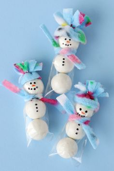 Cute gumball snowmen! @Elizabeth Kennedy Treats