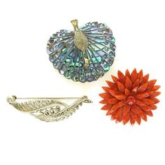 Diverse Lot of 3 Brooches