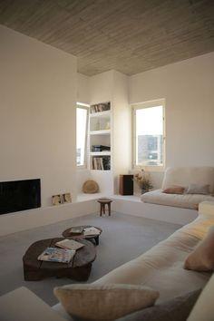 3 Loving ideas: Minimalist Interior Design Pink minimalist home living room decor.Colorful Minimalist Home Fireplaces. Minimalist House, Minimalist Decor, Minimalist Kitchen, Minimalist Interior, Minimalist Bedroom, Minimalist Home Design, Modern Minimalist, Modern Classic, Home Interior Design