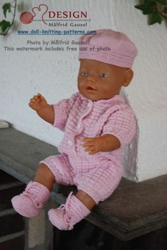"""This doll knitting pattern is from my first book: """"We knit doll clothes"""". Design: Målfrid Gausel"""
