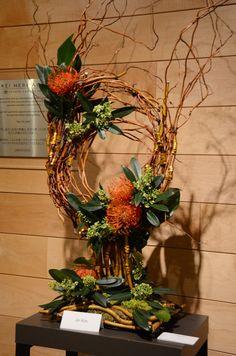 Floral arrangement Redefining Design Seneca College, School of Fashion. Large Flower Arrangements, Large Flowers, Flower Centerpieces, Flower Decorations, Deco Floral, Art Floral, Floral Design, Ikebana, Flower Show