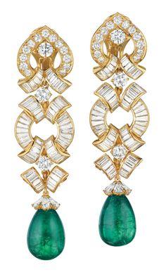 f9b3026d4b2a David Webb  emeralds and diamonds set in 18k gold. (Via Phillips.)