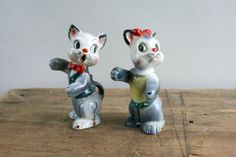 Vintage Hugging Cats Salt and Pepper Shakers by WolfRunVintage, $12.00
