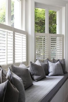 A half height plantation shutter is ideal above a window seat where you still want to allow plenty of natural light into the room. Bedroom Windows, Living Room Windows, Blinds For Windows, Bedroom Curtains, Diy Bedroom, Blinds Curtains, Bay Window Blinds, Living Rooms, Window Privacy