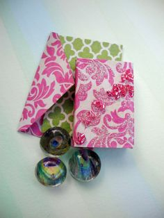 Now for sale on URCrafti.com See Miniature Pink Damask Gift Box with matching Card, Envelope and Peacock Feather Mini Magnets Here https://urcrafti.com/product/miniature-pink-damask-gift-box-with-matching-card-envelope-and-peacock-feather-mini-magnets/ %HTAgs%