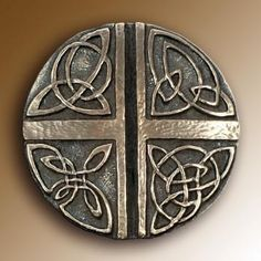 Wild Goose Studio Art Celtic Cross Wall Hanging Love Cross Resin Cast Coated In Bronze 5 Inch Diameter Sturdy Ready To Hang Made in Ireland Arte Viking, Viking Art, Celtic Symbols, Celtic Art, Celtic Knots, Celtic Crosses, Celtic Dragon, Celtic Patterns, Celtic Designs