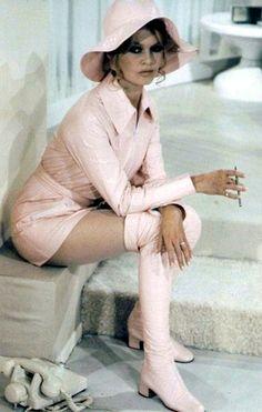 Brigitte Bardot .. www.fashion.net