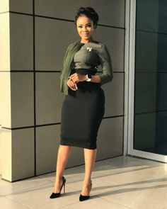 It's a new week! Step into this week looking all classy and chic in corporate wear. Classy Work Outfits, Business Casual Outfits, Classy Dress, Chic Outfits, Fashion Outfits, Office Outfits, Fashion Blogs, Fashion Updates, Workwear Fashion