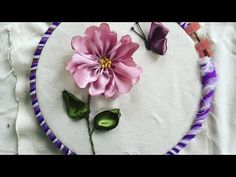 Wonderful Ribbon Embroidery Flowers by Hand Ideas. Enchanting Ribbon Embroidery Flowers by Hand Ideas. Ribbon Embroidery Tutorial, Silk Ribbon Embroidery, Hand Embroidery Designs, Embroidery Patterns, Machine Embroidery, Embroidery Tattoo, Diy Ribbon, Ribbon Work, Embroidery Techniques