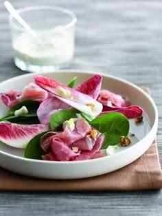 Salade van roodloof met ricotta