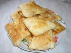 Pateuri cu branza (aluat facut in casa) - imagine 1 mare Bread Recipes, Cake Recipes, Dessert Recipes, Cooking Recipes, Desserts, Pastry And Bakery, Pastry Cake, European Dishes, Romanian Food