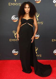 Kerry Washington, enceinte et habillée d'une robe Brandon Maxwell - 68ème cérémonie des Emmy Awards au Microsoft Theater à Los Angeles, le 18 septembre 2016.