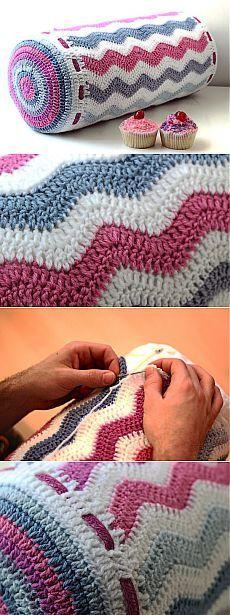 ideas for crochet pillow diagram link Crochet Home, Diy Crochet, Crochet Crafts, Crochet Doilies, Crochet Projects, Crochet Stitches For Blankets, Crochet Cushions, Crochet Pillow, Crochet Shawl