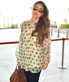 The Mumbai airport became a hotbed for celeb-spotting again with top Bollywood stars being spotted. Salman Khan, Aamir Khan, Kareena Kapoor Khan and others were clicked Bollywood Outfits, Bollywood Saree, Bollywood Fashion, Bollywood Actress, Kareena Kapoor Pregnant, Kareena Kapoor Khan, Maternity Wear, Maternity Fashion, Simple Outfits