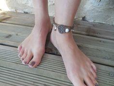 Bijoux chaîne de pied rétro vintage blanc et bronze, perles verre, céramique et…