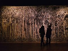 In an interesting juxtaposition, sculptor Eva Jospin creates enchanting forests from cardboard. The Paris-based artist cuts and gules cardboard to craft de Cardboard Sculpture, Sculpture Art, Cardboard Paper, Land Art, Forest Crafts, Lost In The Woods, Forest Theme, Modern Metropolis, Drip Painting
