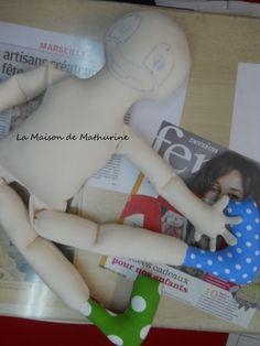 Dernière étape, et Hop, on l'habille ! http://www.lamaisondemathurine.com/ours-en-peluche-de-createur/les-poupees-tissu/
