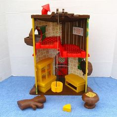 Here's the inside of the mouse treehouse!
