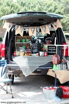 Tailgate Party Ideas - Football Tailgate Parties - Pineapple Paper Co. - Tailgate Ideas – Plan an awesome Tailgating Party with ideas curated by Pineapple Paper Co. Tailgate Games, Football Tailgate, Football Birthday, Tailgating Recipes, Tailgate Food, Tailgate Parties, Barbecue Recipes, Football Season, Grilling Recipes
