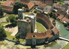 Chateau médiéval de Sagonne situé dans le Cher en Berry