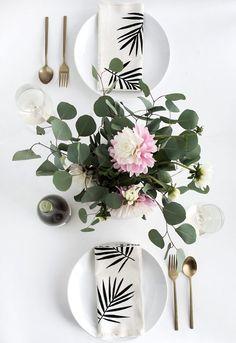 DIY Palm Leaf Napkins | Homey Oh My | Bloglovin'