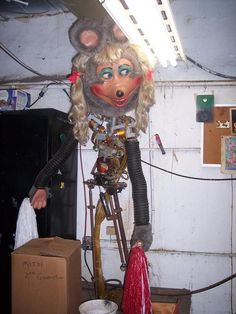 30 Delightfully Creepy Animatronic Shows From Our Childhood Remind Us How Weird Things Once Were