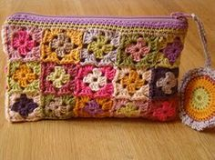 Transcendent Crochet a Solid Granny Square Ideas. Inconceivable Crochet a Solid Granny Square Ideas. Crochet Diy, Love Crochet, Crochet Crafts, Yarn Crafts, Crochet Hooks, Crochet Projects, Crochet Flowers, Crochet Clutch, Crochet Collar