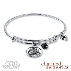 No Star Wars jewelry collection is complete without this Darth Vader expandable bangle.