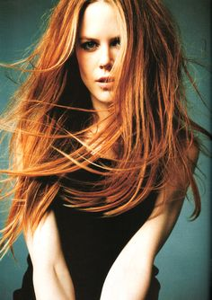 Nicole Kidman ... so pretty, makes me want to be a redhead!