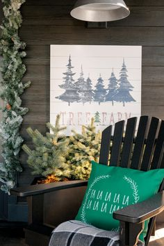 Holiday and Christmas Decorating Ideas From HGTV Dream Home 2018