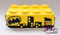 Resultado de imagen para torta batman hecho con cupcakes