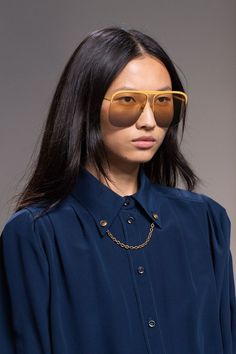 Givenchy Spring 2020 Fashion Show Details. All the fashion runway close-up details, shoes, and handbags from the Givenchy Spring 2020 Fashion Show Details. Runway Fashion, Fashion Show, Paris Fashion, Fashion Killa, Fashion Spring, Trending Sunglasses, Nice Sunglasses, Sunnies, Sunglasses