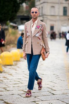 Milan Fashion Week Street Style | Spring 2017 Day 1 Details – The Impression