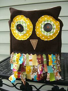 """24 owl-crafts.  This is a """"treat bag"""" but I'm thinking COOL Pillow!"""