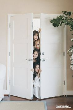 Wanita Indo: Search results for Blackpink Jisoo, Blackpink Jennie, Black Pink Kpop, Blackpink Members, Blackpink Photos, Group Photos, Pictures, Blackpink And Bts, Blackpink Fashion