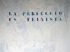 IX Biennal d'art del Riudebitlles cartellera  1 f. [LC] Plafó on es col·loquen cartells o anuncis. 2 f. [LC] [JE] Secció d'un periòdic on s'anuncien els espectacles.