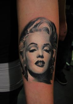 This is what a really Marylin Monroe tattoo looks like!