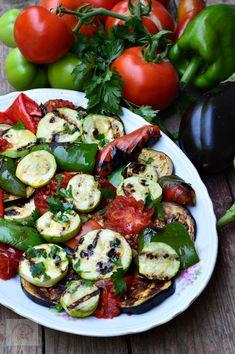 Penne, Romanian Food, Romanian Recipes, Cake Recipes, Vegan Recipes, Spinach Stuffed Chicken, Caprese Salad, Mozzarella, Yummy Food