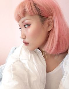 albums of asian girl with pastel pink hair Hair Lights, Light Hair, Hairstyles With Bangs, Trendy Hairstyles, Hair Inspo, Hair Inspiration, Blonde Asian, Pastel Pink Hair, Baby Pink Hair