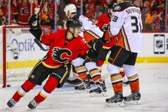 Is the Sky Falling in Calgary? - http://thehockeywriters.com/is-the-sky-falling-in-calgary/