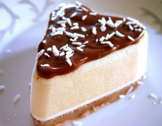 Kookos-suklaakonvehti , resepti – Ruoka.fi Cheesecake, Pudding, Desserts, How To Make, Food, Tailgate Desserts, Deserts, Cheesecakes, Custard Pudding