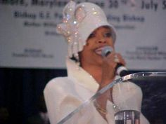 Karen Clark, Black Church, Church Fashion, Church Hats, Gospel Music, Celeb Style, Sunday Morning, Music Lovers, Women Empowerment