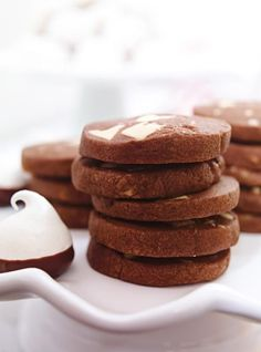Ricardo Cuisine help you find the perfect cookie recipes. Delicious cookies recipes for you. Desserts With Biscuits, Cookie Desserts, Sweet Desserts, No Bake Desserts, Delicious Cookie Recipes, Yummy Cookies, Cake Recipes, Dessert Recipes, Vegetarian Chocolate