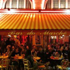 🇫🇷 Night life at Bar du Marche 😍 #parisatnight #evening #stroll #beautiful #picturesque #paris #visitparis #restaurant #melbournelifelovetravel #bardumarche #nightlife #saintgermaindespres