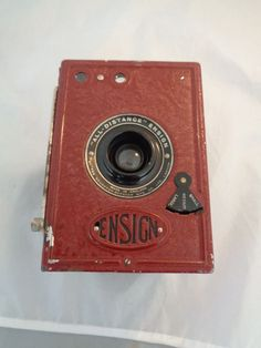 c1930 Houghton-Butcher All-Distance-Ensign 2 1/4B 120 Roll Film Camera - Red