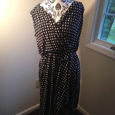Merona Black & White Diamond Mock Wrap Dress! Great condition. No trades or sales off of posh please. Runs true to size! Smoke and pet free home. Merona Dresses Midi