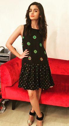 aliaabhatt Dress - kenzo x hm Styled by - stylebyami. Shop this look on Huew. Bollywood Fashion, Bollywood Actress, Bollywood Style, Alia Bhatt Photoshoot, Aalia Bhatt, Alia Bhatt Cute, Casual Dresses, Girls Dresses, Gamine Style